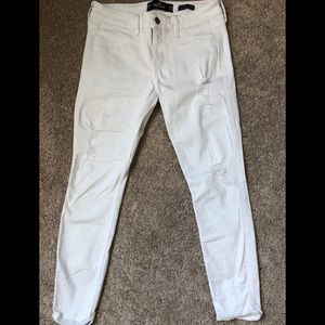 Hollister Women's White Cropped Jeans (size 3R/26)